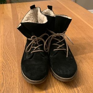 Steve Madden Anabel Suede booties. Black. Size 8.
